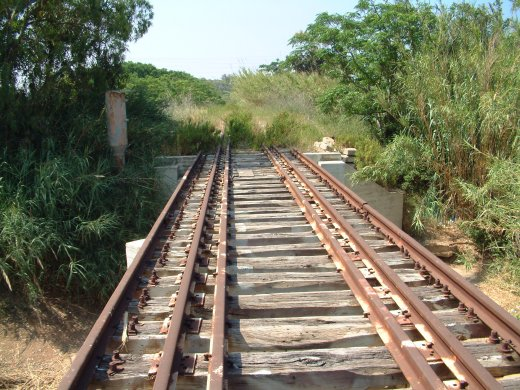 גשר הרכבת לביירות. כאן אירע הפיצוץ