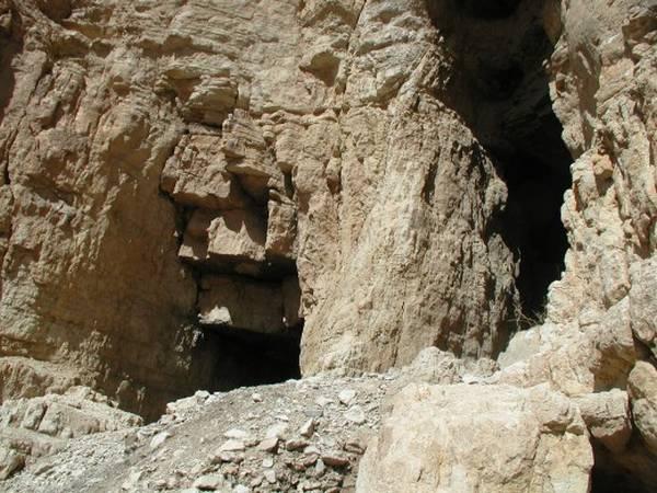 מבט נוסף למערות