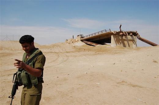 גשר עבדאללה. מה שנשאר + חייל