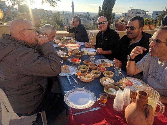 ארוחת בוקר בכפר דריג'את