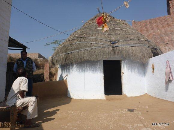 בקתה מסורתית בכפר ברג'סטאן