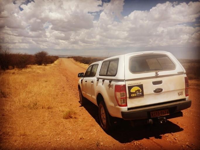 """טנדר """"שבילים"""" בנמיביה / צילום: יואב קווה"""