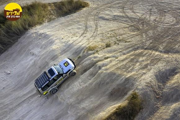 טויוטה פראדו רכב שבילים צילומים עידו פאלח